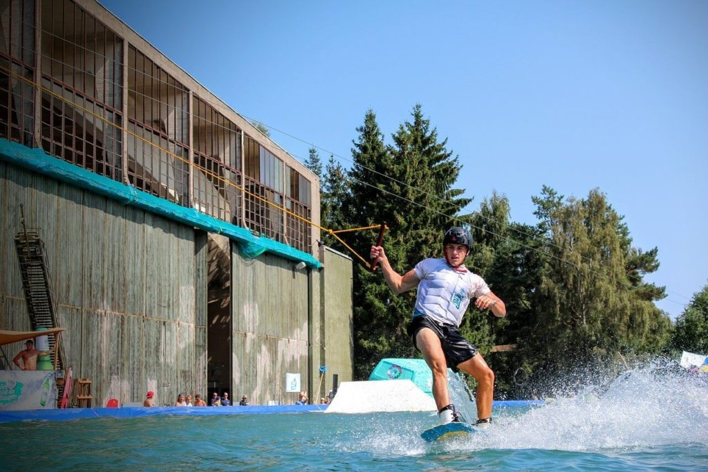 Jízda na wakeboardu