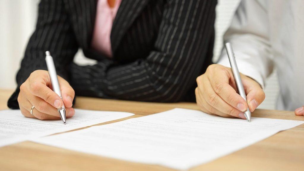 Podpis předmanželské smlouvy